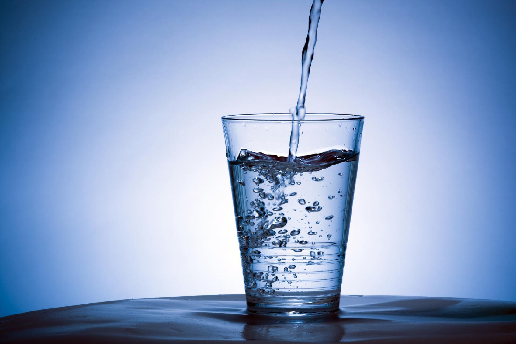 Água no copo