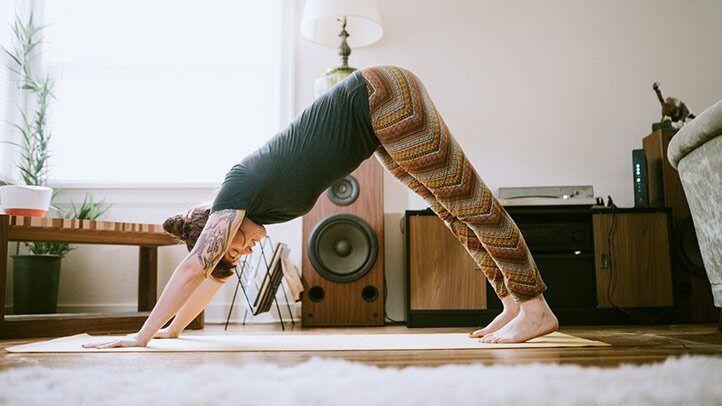 Poses de Ioga - Adho Mukha Svanasana - para aumentar a flexibilidade